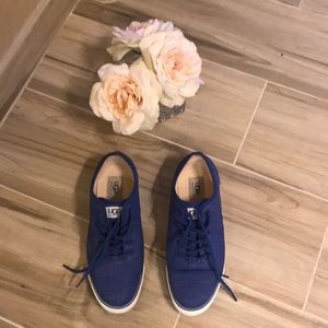 Ugg Canvas Lace Sneaker Size 8.5